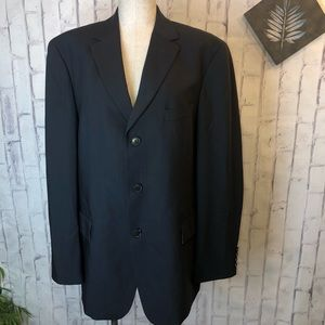 HUGO BOSS black 3 button suit jacket. 42S